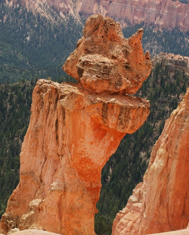 BALANCING ACT, BRYCE CANYON