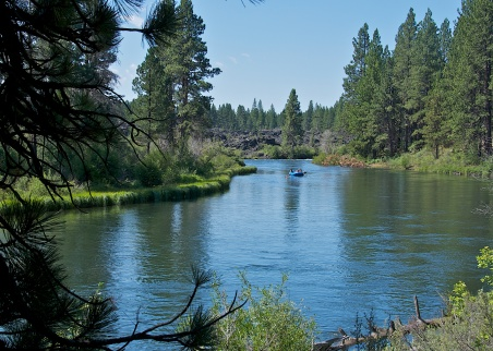 RAFTING THE DESCHUTES RIVER