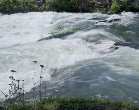 DESCHUTES CLASS IV RAPIDS, DONNA'S NIGHTMARE