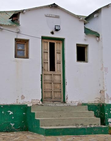 HOLE-Y DOOR