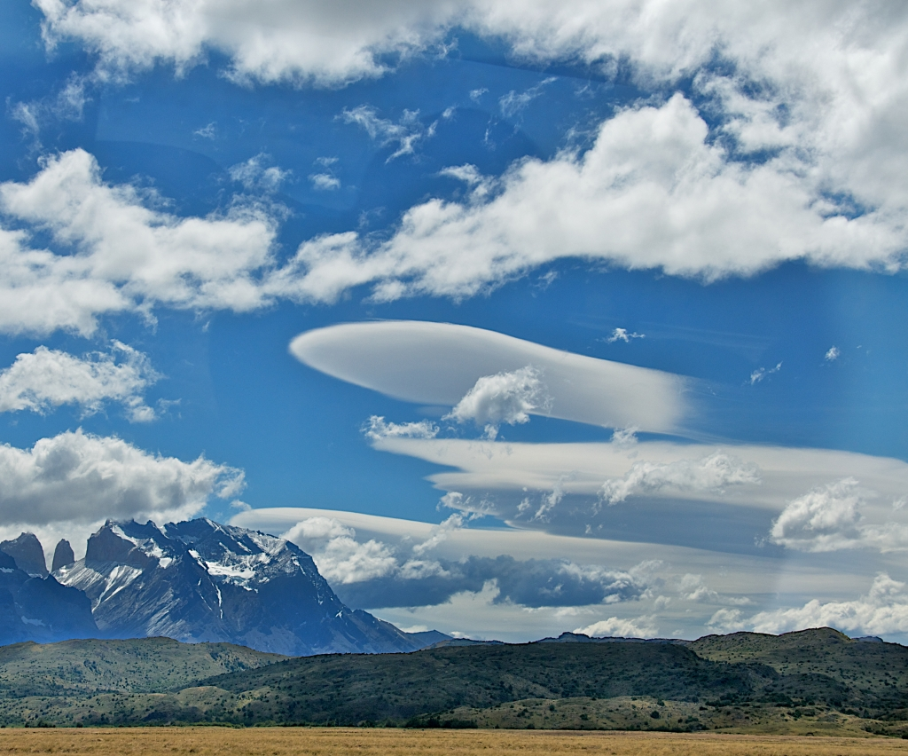 WIND CLOUDS-PATAGONIA