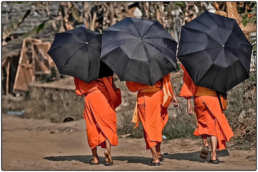 THREE MONKS, SE ASIA