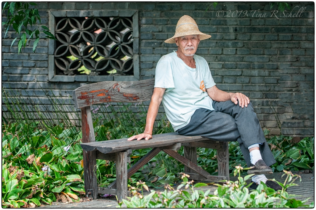 OLD MAN, OLD BENCH, CHINA, STRAW HAT
