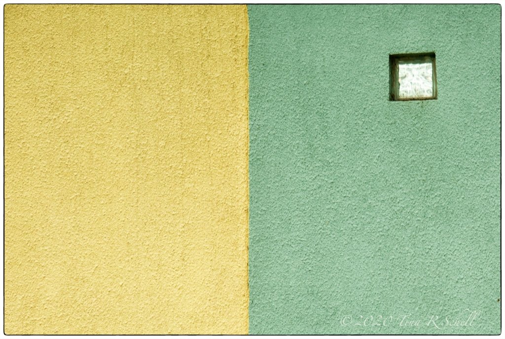 green, yellow, wall, symmetry