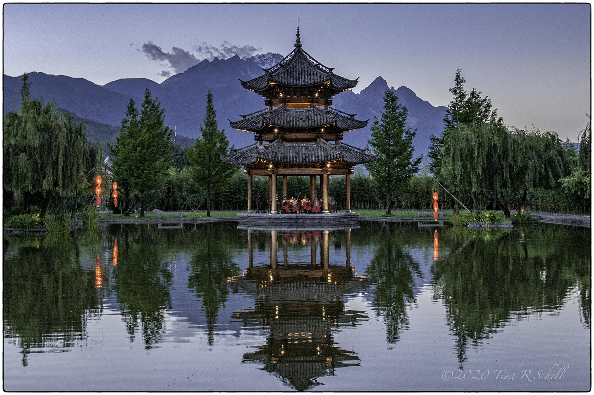 pagoda, reflection, symmetry, china