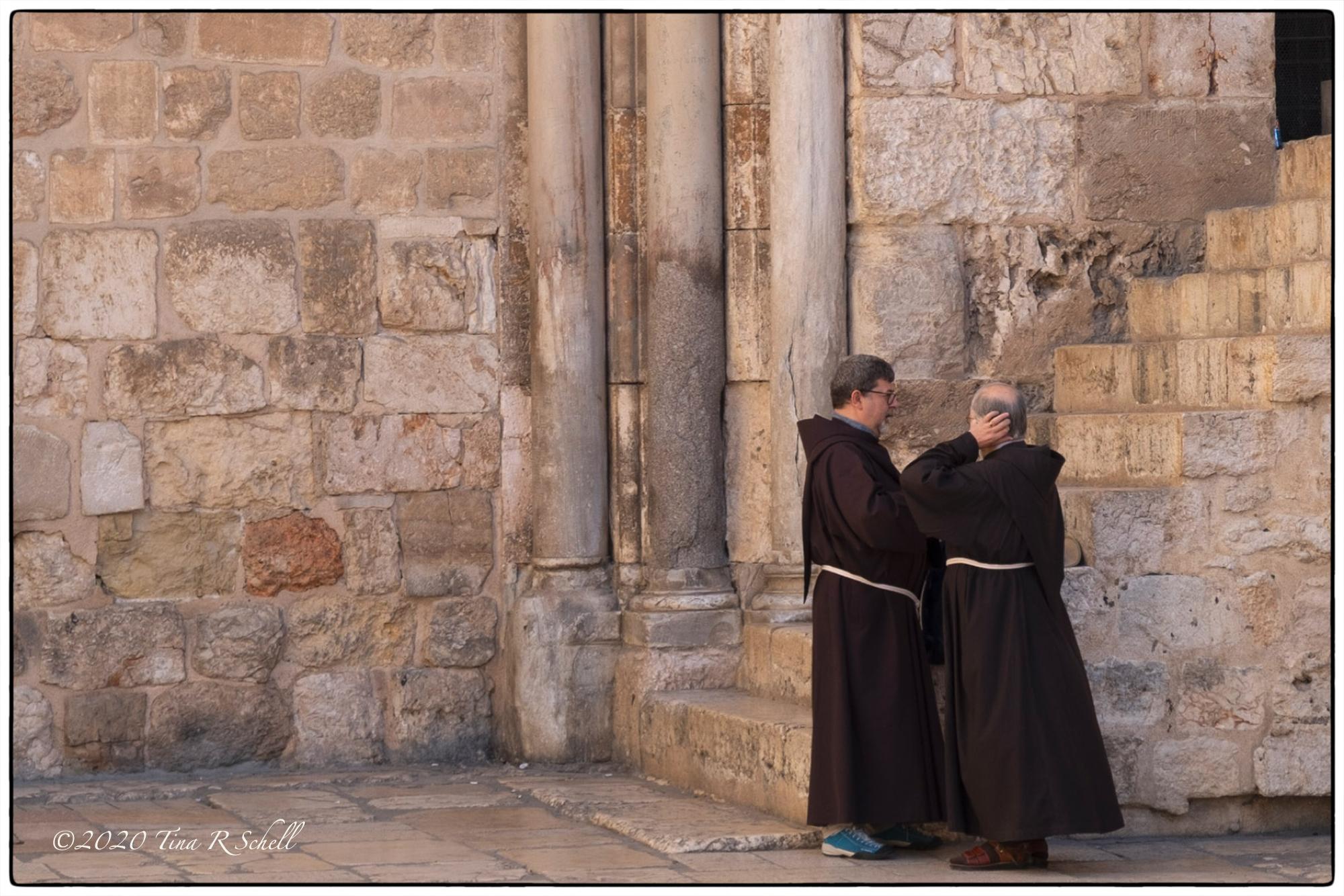 two friars, brown, pillars