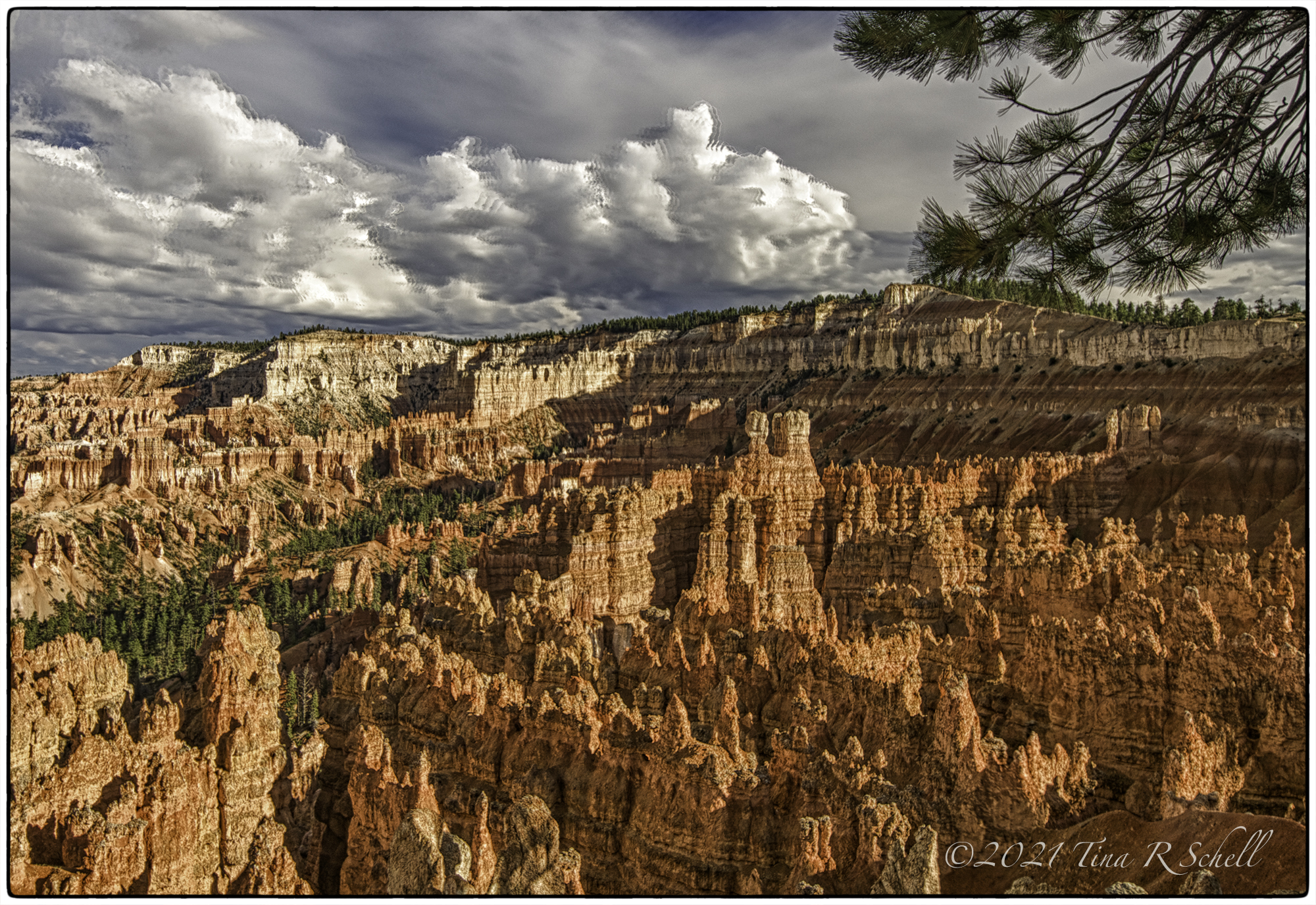 Bryce Canyon, hoodoos, clouds, light