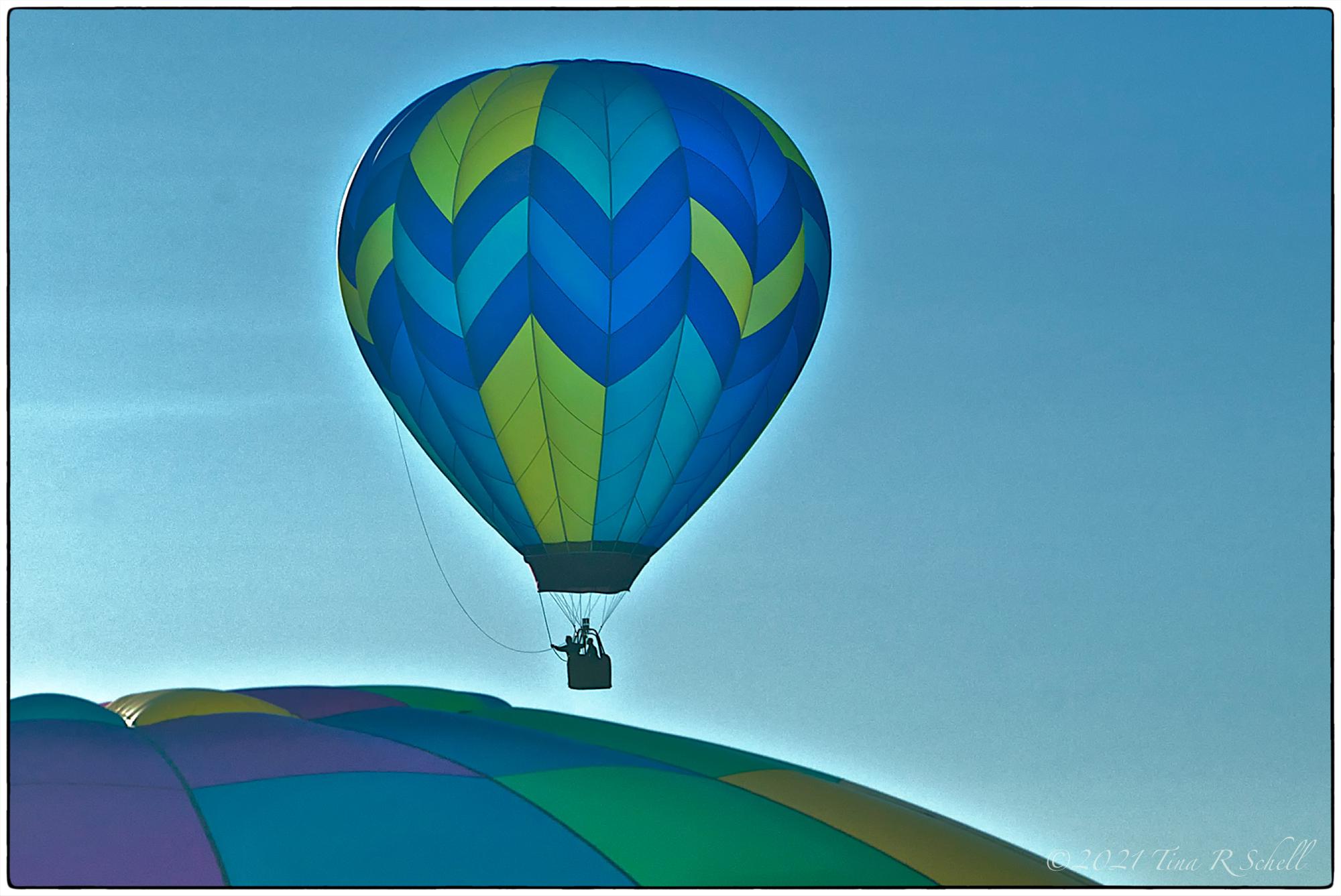 hot air balloon, blue, green